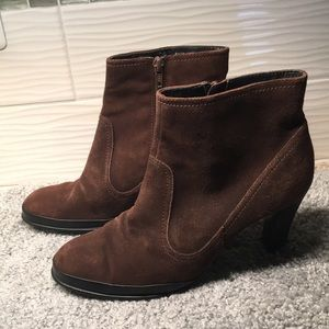 Aerosoles brown suede boots size 7.5
